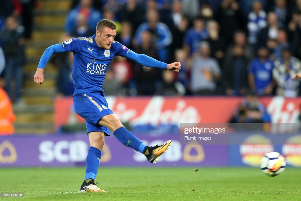 Jamie Vardy of Leicester City sees his penalty saved by Simon Mignolet of Liverpool during the Premier League match between Leicester City and Liverpool at King Power Stadium on September 23rd, 2017 in Leicester, United Kingdom.