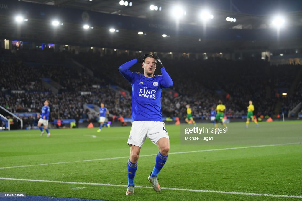 Jamie Vardy of Leicester looks dejected after a missed chance ...