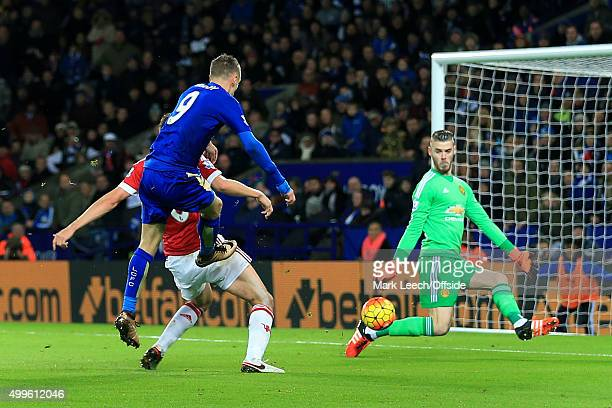 Jamie Vardy of Leicester scores their 1st goal during the Barclays Premier League match between Leicester City and Manchester United at the King...