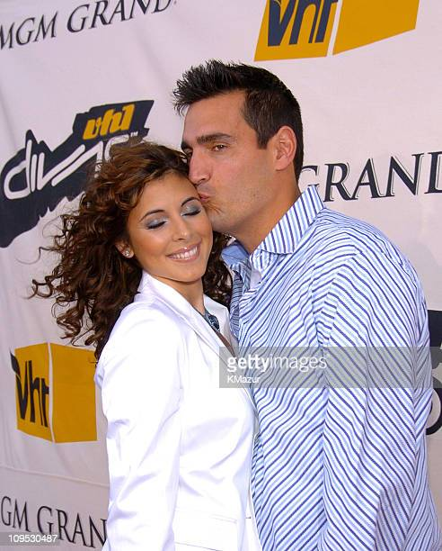 JamieLynn DiScala and husband AJ DiScala during 2004 VH1 Divas Benefitting The Save The Music Foundation Red Carpet at The MGM Grand in Las Vegas...
