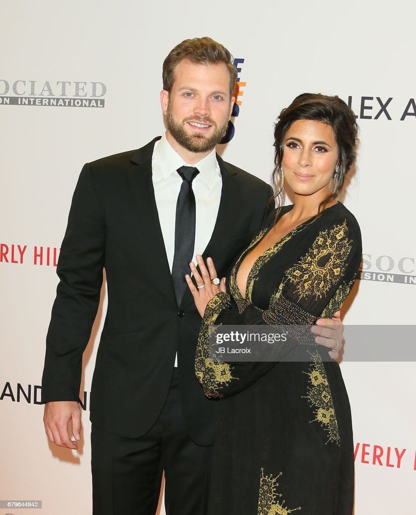 Jamie-Lynn Sigler and Cutter Dykstra attend the 24th Annual Race To Erase MS Gala on May 05, 2017 in Beverly Hills, California.