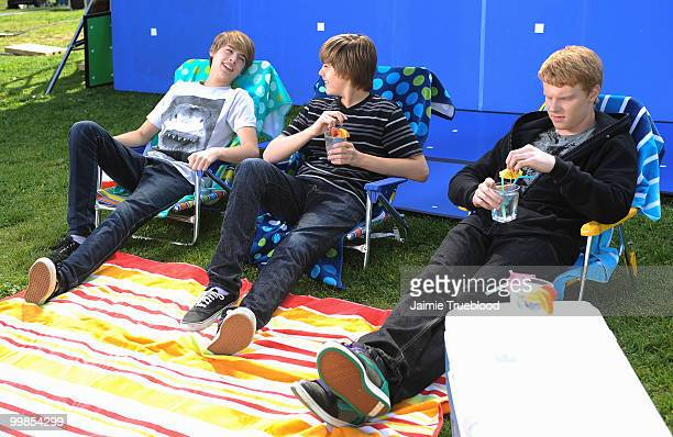 S SUMMER ANTHEM 'IN THE SUMMERTIME' A jammin' hip hop spin on a classic song 'In the Summertime' with rap lyrics performed by teen actors Adam Hicks...