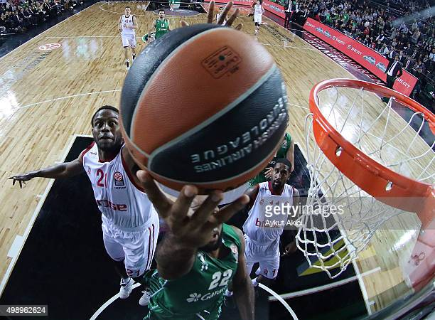 Jamon Gordon #22 of Darussafaka Dogus Istanbul competes with Darius Miller #21 of Brose Baskets Bamberg during the Turkish Airlines Euroleague...