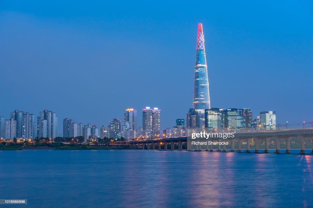 Jamsil Railway Bridge And Lotte World Tower Seoul South Korea Stock
