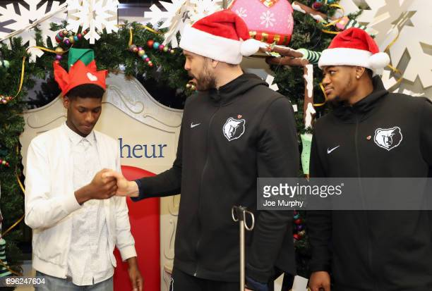 JaMychal Green and Marc Gasol of the Memphis Grizzlies visit with children on December 18 2017 at LeBonheur Children's Hospital in Memphis Tennessee...