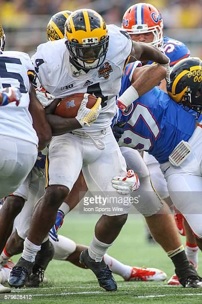 Michigan Wolverines running back De'Veon Smith during the Buffalo Wild Wings Citrus Bowl game between the Florida Gators and the Michigan Wolverines...
