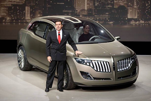 Jan 14 2008- Mark Fields of Ford with The Lincoln MKT concept during ...