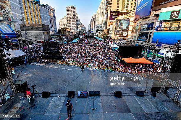 Jan. 16, 2014 - Bangkok, Thailand. Late afternoon scene at Asoke-Sukhumvit protest site. This is normally one of the busiest intersections in...