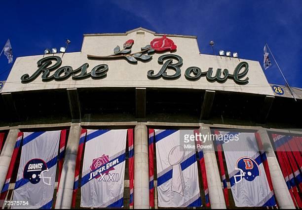 General view of the Rose Bowl in Pasadena California Mandatory Credit Mike Powell /Allsport