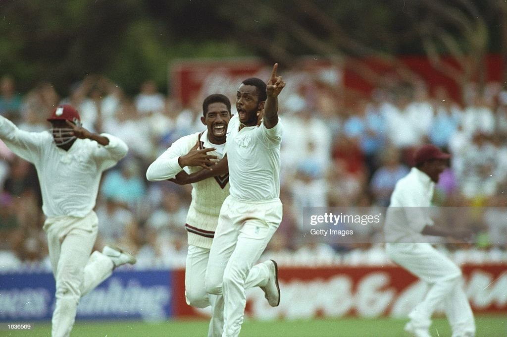 Courtney Walsh of the West Indies : News Photo