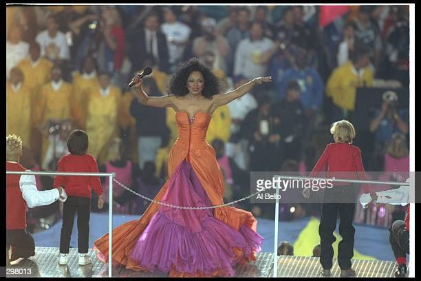Diana Ross performs at the halftime show during Super Bowl XXX between the Dallas Cowboys and Pittsburgh Steelers at Sun Devil Stadium in Tempe...
