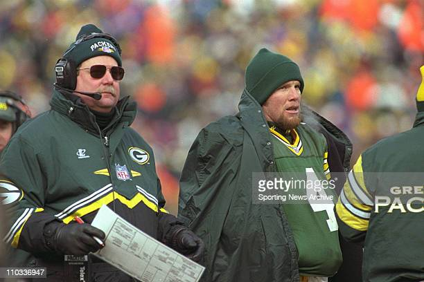 Head coachMike Holmgren and Brett Favre of the Green Bay Packers during the Pack's 3013 victory over the Carolina Panthers in the NFC Championship...