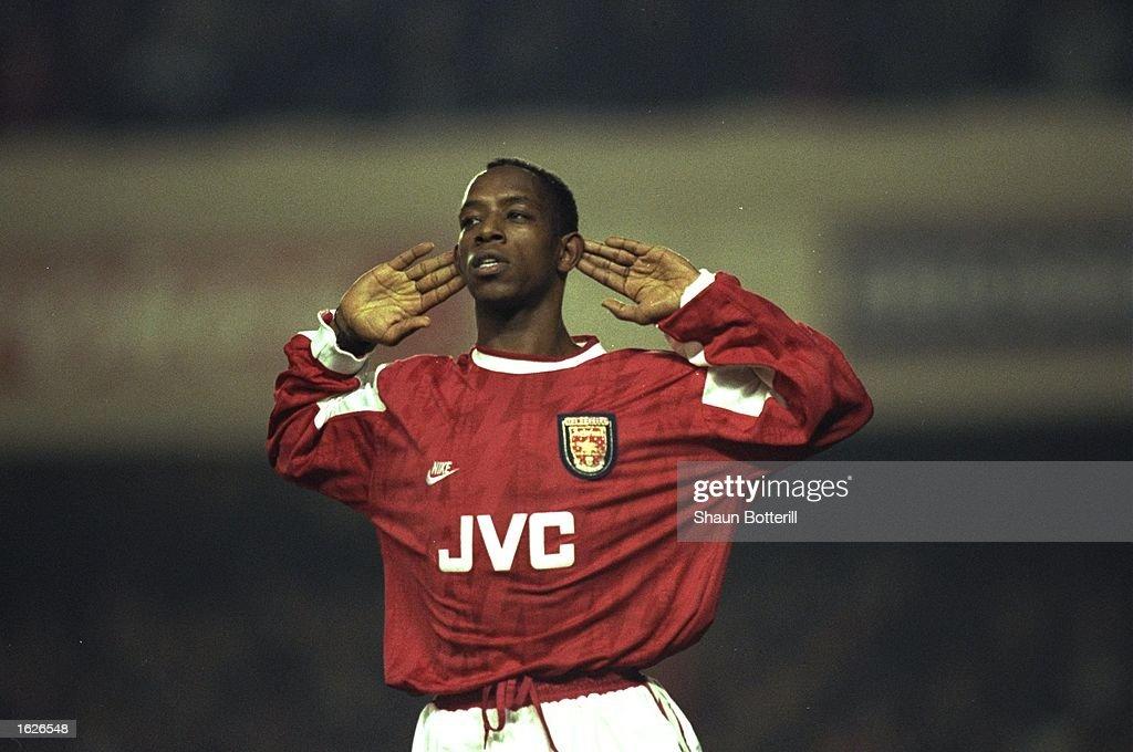 Ian Wright of Arsenal : News Photo