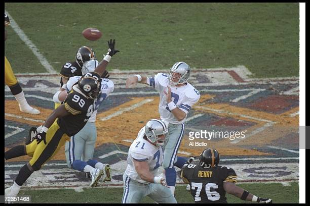 Quarterback Troy Aikman of the Dallas Cowboys throws the ball during Super Bowl XXX against the Pittsburgh Steelers at Sun Devil Stadium in Tempe...