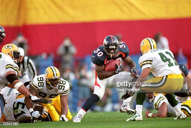 Terrell Davis of the Denver Broncos in action during the NFL Super Bowl XXXII Game against the Green Bay Packers at the Qualcomm Stadium in San Diego...