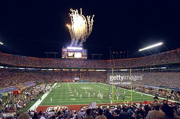 General view of the Super Bowl XXXIII Game between the Atlanta Falcons and the Denver Broncos at the Pro Player Stadium in Miami, Florida. The...