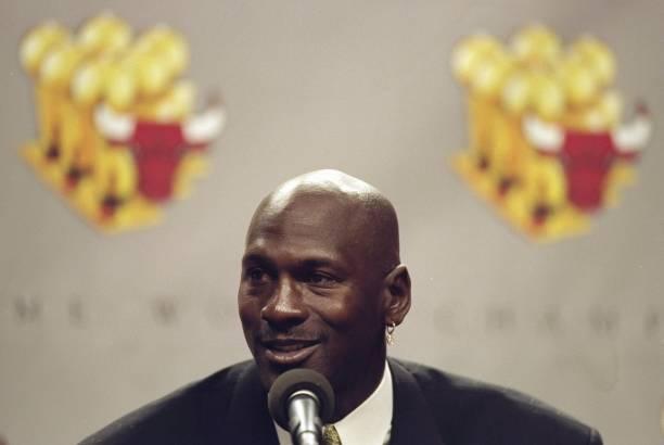 Risultati immagini per michael jordan press conference retirement 1999