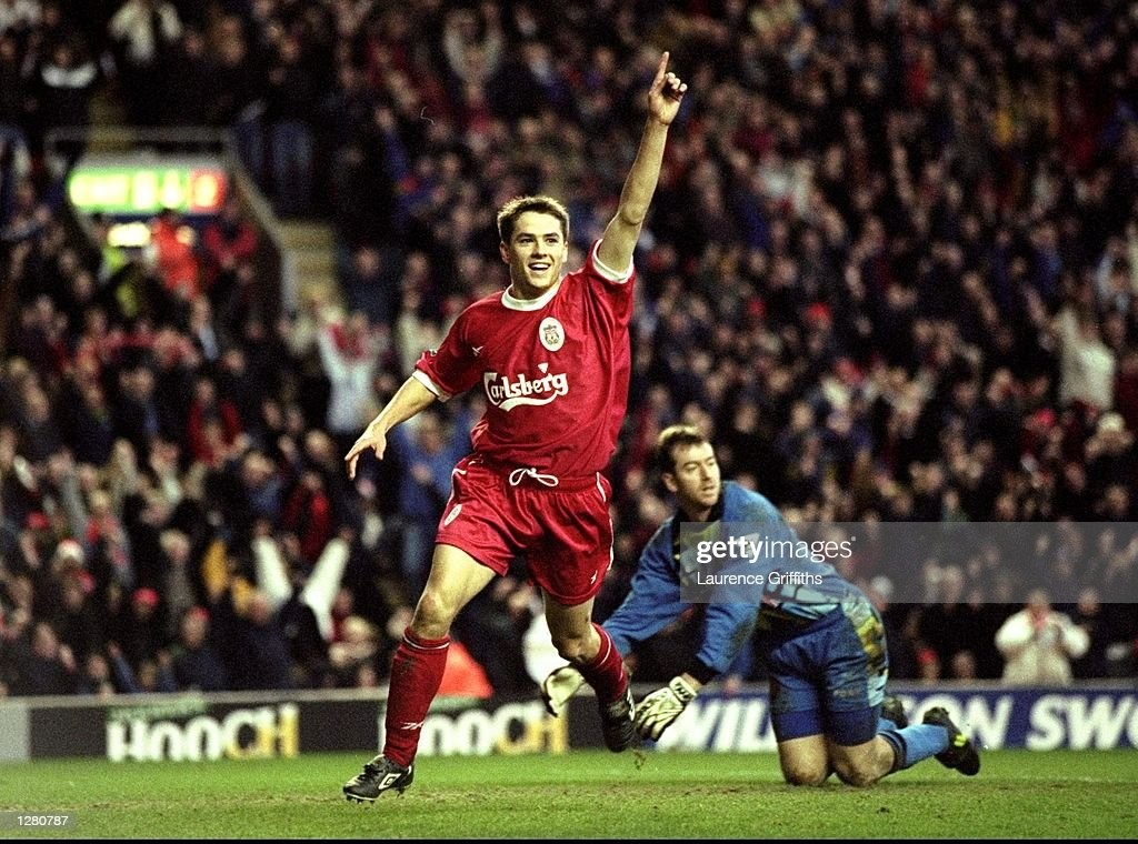 Liverpool v Southampton Michael Owen : News Photo