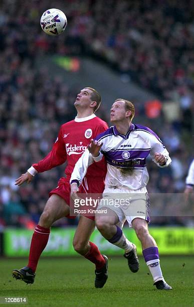 Andy Campbell of Middlesbrough and Dominic Matteo of Liverpool fight for a high ball during the Liverpool v Middlesbrough FA Carling Premiership...