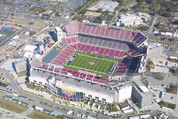 An aerial view from the Monster.com blimp shows Raymond James Stadium, the site of Super Bowl XXXV, in Tampa, Florida. DIGITAL IMAGE.Mandatory...