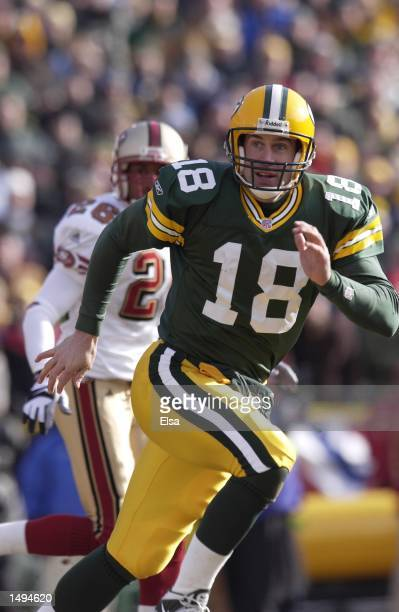 Doug Pederson of the Green Bay Packers sprints downfield against the San Francisco 49ers during the NFC Wildcard game at Lambeau Field in Green Bay...