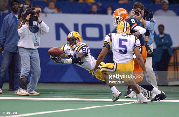 Randall Gay of LSU leaps to catch a pass against Illinois during the Sugar Bowl game at the Louisiana Superdome in New Orleans Louisiana LSU won 4734...