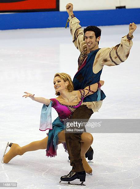 Tanith Belbin and Benjamin Agosto of the USA compete in the dance final during the State Farm US Figure Skating Champioships at the Staples Center in...