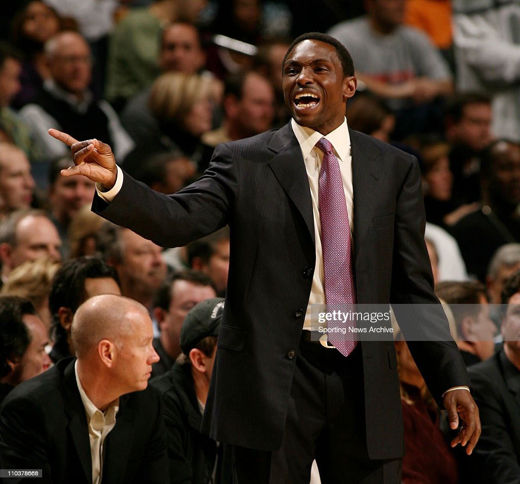 NBA: Mavs Beat Bobcats 102-95 : News Photo