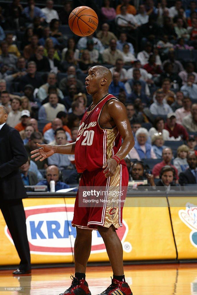 NBA 01-30-06: Cleveland at Charlotte : News Photo