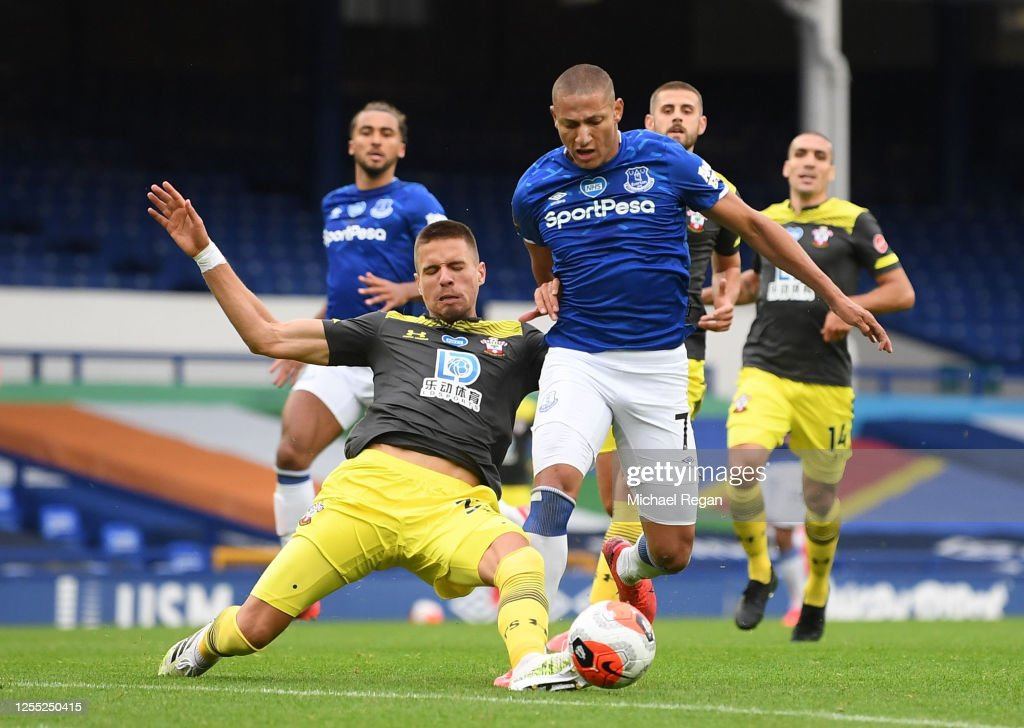 Everton FC v Southampton FC - Premier League : News Photo