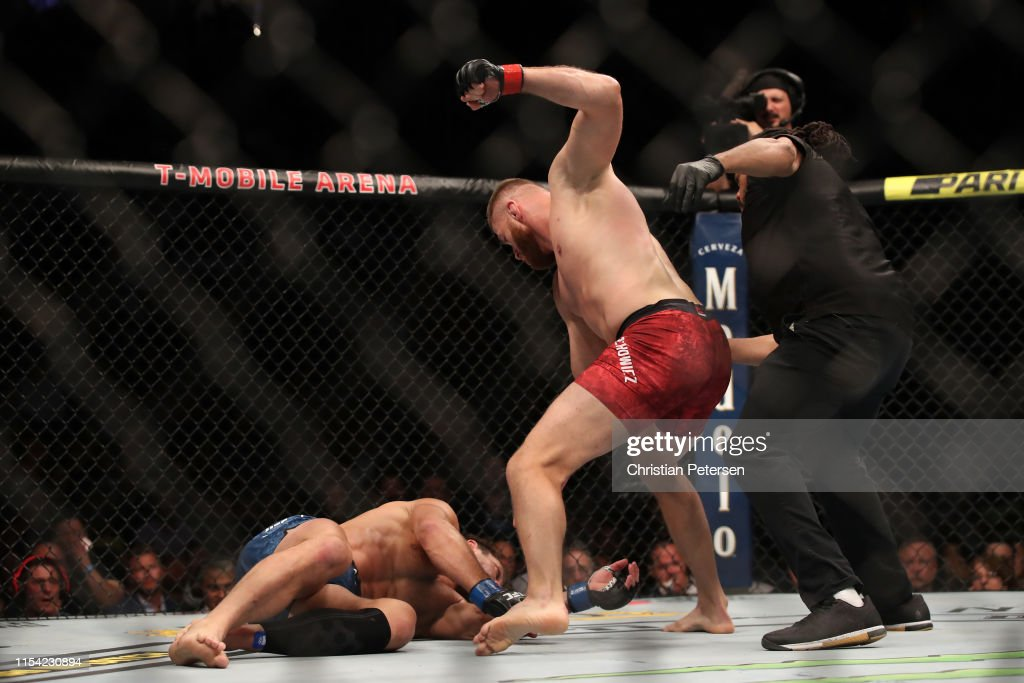 UFC 239: Blachowicz v Rockhold : News Photo