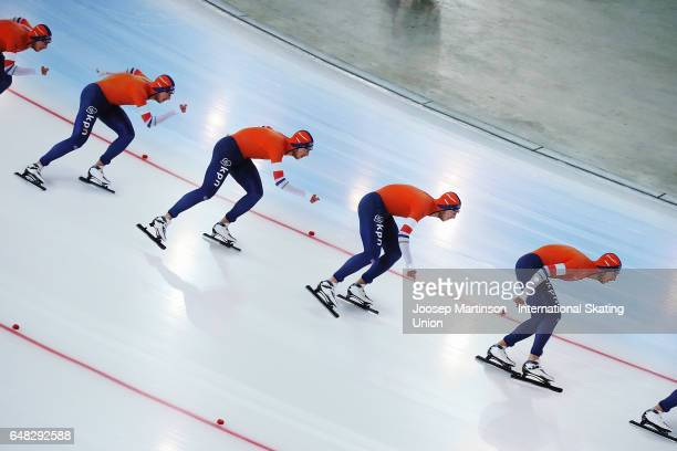 Jan Blokhuijsen of Netherlands competes in the Men's 10000m during day two of the World Allround Speed Skating Championships at Hamar Olympic Hall on...