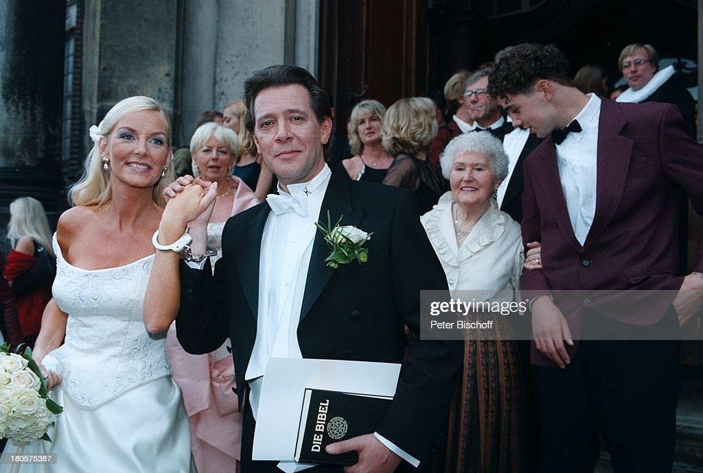 Jan Fedder, Ehefrau Marion Kurth, Mutter;Gisela Fedder, (v.l.n.r ...