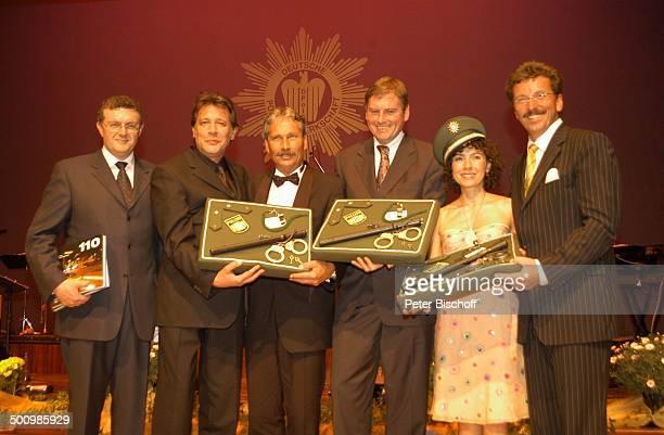 Jan Fedder Maria Ketikidou Hermann Benker Udo Nagel Klaus Radtke Georg Schmid Auszeichnung zum Ehrenkommissar der Bayerischen Polizei des Jahres 2005...