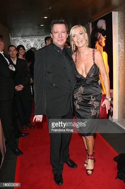 Jan Fedder Und Ehefrau Marion Bei Der Eröffnung Des Dracula Club Im Levantehaus In Hamburg