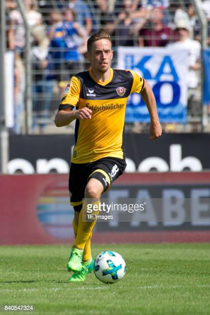Jan Gyamerah of Bochum controls the ball during the Second Bundesliga match between VfL Bochum 1848 and SG Dynamo Dresden at Vonovia Ruhrstadion on...