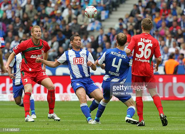 Jan Ingwer Callsen Bracker Pal Dardai Roman Hubnik and Stephan Hain battle for the ball during the Second Bundesliga match between Hertha BSC Berlin...