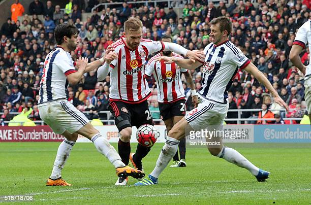 Jan Kirchhoff of Sunderland breaks through the West Bromwich defence during the Barclays Premier League match between Sunderland and West Bromwich...