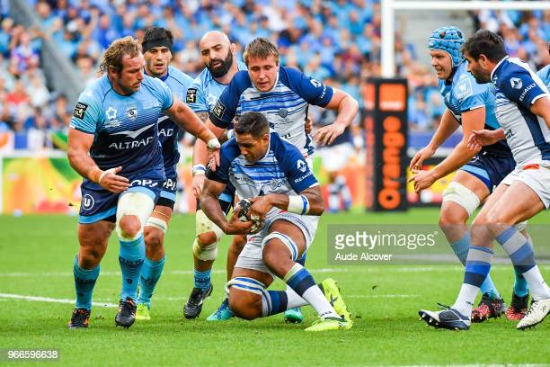 Jan Nataniel Duplessis of Montpellier Mathieu Babillot and Anthony Jelonch of Castres during the French Final Top 14 match between Montpellier and...