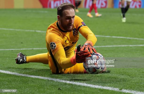 Jan Oblak of Atletico de Madrid makes a save during the UEFA Champions League Group A stage match between Atletico Madrid and FC Bayern Muenchen at...