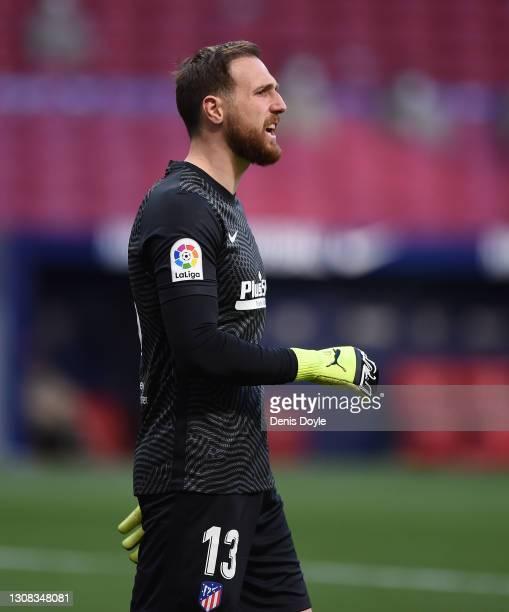 Jan Oblak of Atletico de Madrid reacts during the La Liga Santander match between Atletico de Madrid and Deportivo Alavés at Estadio Wanda...