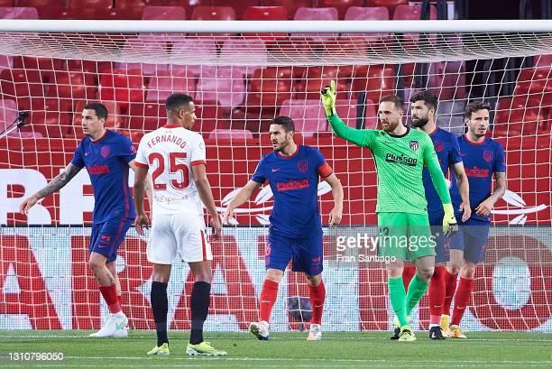 Jan Oblak of Atletico de Madrid reacts during the La Liga Santander match between Sevilla FC and Atletico de Madrid at Estadio Ramon Sanchez Pizjuan...