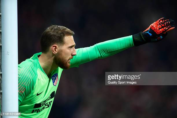 Jan Oblak of Atletico de Madrid reacts during the UEFA Champions League Round of 16 First Leg match between Club Atletico de Madrid and Juventus at...