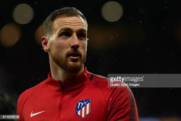 Jan Oblak of Atletico de Madrid warms up prior to the La Liga match between Atletico and Valencia at Wanda Metropolitano Stadium on February 4 2018...