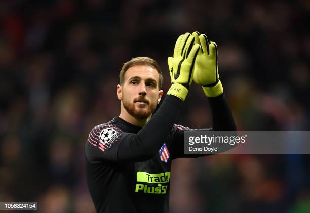 Jan Oblak of Atletico Madrid applauds fans following his side's victory in the Group A match of the UEFA Champions League between Club Atletico de...