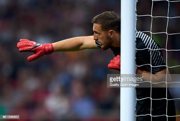 Jan Oblak of Atletico Madrid reacts during the La Liga match between Atletico Madrid and Barcelona at Estadio Wanda Metropolitano on October 14 2017...