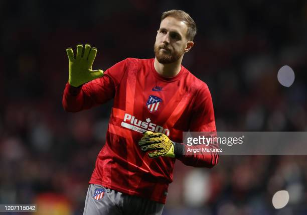 Jan Oblak of Atletico Madrid warms up prior to the UEFA Champions League round of 16 first leg match between Atletico Madrid and Liverpool FC at...