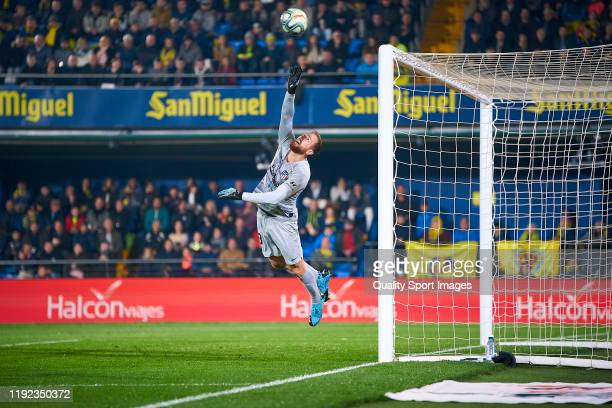 Jan Oblak of Club Atletico de Madrid saves an action during the Liga match between Villarreal CF and Club Atletico de Madrid at Estadio de la...