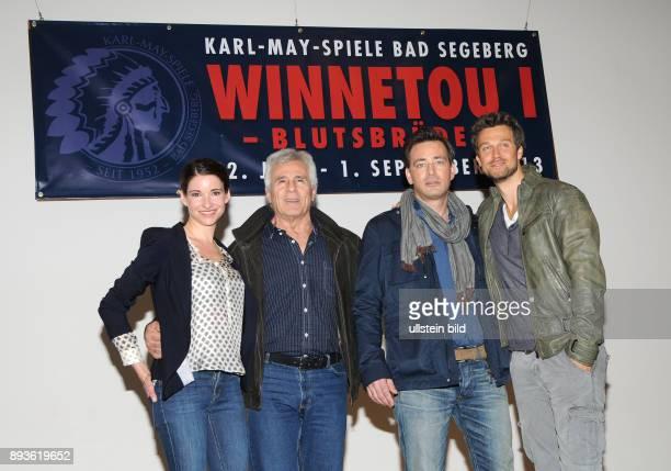 Jan Sosniok wird neuer Winnetou in Bad Segeberg Wayne Carpendale als Old Shatterhand und Sophie Wupper als Winnetous Schwester Nschotschi in...