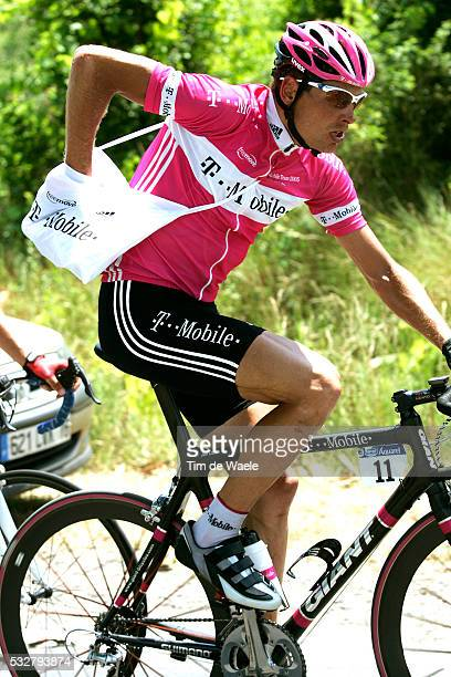 Jan Ullrich during stage 14 of the 2005 Tour de France between Agde and Ax-3-Domaines.